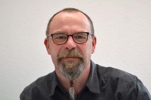 </p> <h4>Andreas Benzing</p> <h4>